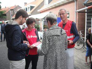 PvdA 2013 Kapelse Dag Joyce en Willem Canvassen
